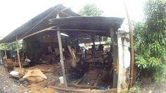 Кхмерская мебельная фабрика =)