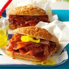 Slow Cooker BBQ Ham Sandwiches Recipe -Friends love these barbecue sandwiches and often ask me to make them. We double the crowd-pleasing recipe and serve them at potlucks. Slow Cooker Bbq, Slow Cooker Recipes, Crockpot Recipes, Cooking Recipes, Ham Recipes, Cooking Time, Yummy Recipes, Sauce Barbecue, Barbecue Recipes