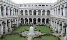 Peaceful Places, Beautiful Places To Visit, Zoo In India, Victoria Memorial, Mughal Paintings, Visit Victoria, Fort William, Beautiful Castles, West Bengal
