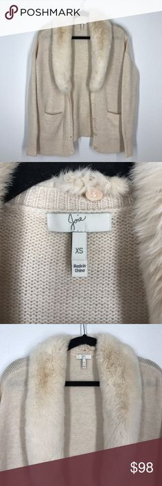 Joie cream cashmere wool fur sweater size XS Joie cream sweater that is a cashmere wool blend. The collar is real rabbit fur that can be detached. In excellent condition! Joie Sweaters