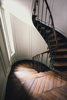 Victorian Home Interior .Victorian Home Interior Style At Home, Interior Exterior, Exterior Design, Architecture Design, Staircase Architecture, Stairway To Heaven, Home Fashion, Stairways, My Dream Home