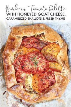 THE best way to use your tomato surplus Heirloom Tomato Galette w/ Honeyed Goat THE best way to use your tomato surplus Heirloom Tomato Galette w/ Honeyed Goat Cheese Caramelized Shallots & Fresh Thyme is as tasty as it is stunning! Source by abeachgirl Heirloom Tomato Recipes, Heirloom Tomato Tart, Tomato Pie, Heirloom Tomatoes, Vegetarian Recipes, Cooking Recipes, Healthy Recipes, Gallette Recipe, Quiches
