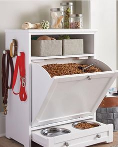 Enjoy the convenience of food leash and toy storage plus a feeding station all in one stylish compact space with our Pet Feeder Genius Solutions for Your Pets in the Kitchen Animal bones and scrap meat or fat may be used to make an extreme Diy Casa, Dog Rooms, Pet Feeder, Dog Houses, First Home, Home Organization, Organizing, Home Projects, Diy Furniture