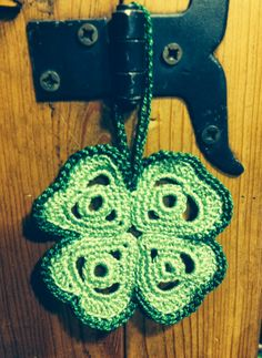 Crochet four leaf clover pattern