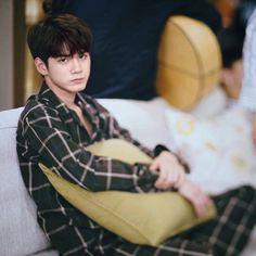 Wanna one OngSeongwu Ong Seongwoo, Dancing King, My Destiny, Kim Jaehwan, Ha Sungwoon, 3 In One, Love At First Sight, Kpop Boy, Super Junior