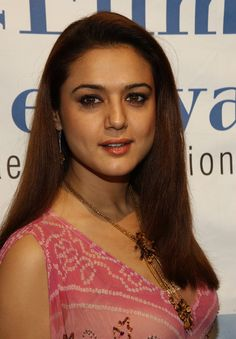 Indian Bollywood Actress, Indian Actresses, Pretty Zinta, Hd Wallpapers For Mobile, Bollywood Gossip, Most Beautiful Indian Actress, Bollywood Celebrities, Hd 1080p, Hottest Photos