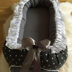Nylaget babynest  Ta en titt på FINN-kode: 59440672 #bamse #teddybear #baby2015 #baby #babyutstyr #sommerfugldesign #håndsydd #girl #boy #barnerom #barselsgave #hvaentrengertilnyfødd #hvaentrengernårbabyenkommer #bleiekake #gavetilnyfødd #gaveidetilnyfødd #gaveidetilbarn #gravid #babyseng #barneseng #haisportsbag #haisprinkelseng  #babynest #underlagtilbarn #samsoving #nest #disney #nårbarnetsover #nyfødd #barn #babygave #blonder #babyshower #babybesøk #babyfest #barnefest #sommerfugldesign…