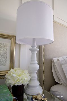 How to transform your old brass lamps or thrift store find by spray painting them. You wont believe the transformation! - White Lamp Base - Ideas of White Lamp Base Lamp Makeover, Furniture Makeover, Diy Furniture, Furniture Outlet, Furniture Stores, Discount Furniture, Bedroom Furniture, Spray Paint Lamps, Spray Paint Projects
