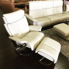 Stressless Magic large recliner ottoman signature base Scandinavia inc.  Metairie New Orleans Louisiana furniture contemporary