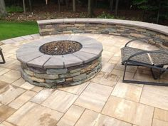 Create a relaxing area for everyone to enjoy! Add a cozy Cambridge seating wall around your Cambridge Fire Pit. Installation: Bahler Brothers