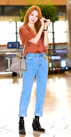 Lee Sung Kyung Photoshoot, Lee Sung Kyung Fashion, Nam Joo Hyuk Lee Sung Kyung, Lee Sung Kyung Wallpaper, Size Zero, Korean Actresses, Cute Korean Girl, Korean Fashion, Fashion Outfits