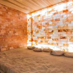 Himalayan Salt Room, Himalayan Salt Crystals, Home Spa Room, Spa Rooms, Salt Room Therapy, Spa Design, Design Hotel, Brick Room, Bath