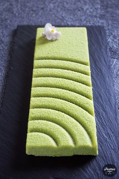 Green Tea Dessert, Matcha Cake, Delicious Deserts, Green Tea Powder, Cookie Box, Different Cakes, Types Of Cakes, Matcha Green Tea, Sweets