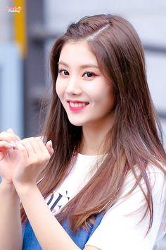 Reject the Binary Kpop Girl Groups, Korean Girl Groups, Kpop Girls, Japanese Girl Group, Red Velvet Irene, Korea Fashion, Pop Group, South Korean Girls, Zodiac