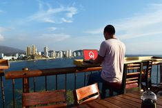 'Digital Nomad' isn't a job description (and how to find that job)