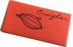 Dunkle Schokolade (70%) mit Marzipan, Orangenmousse, Orangettes & Chili  Handgeschöpfte Schokolade der Firma Craigher in Friesach, Österreich. In liebevoller Handarbeit handgemacht. Die Verpackung ist auch mit gebrandeter Verpackung bzw. Schleife mit eigenem Logo erhältlich.  laktosefrei glutenfrei vegan enthält Mandeln  enthält Zitrusfrüchte - gebrandete Schokolade Marzipan, Chili, Notebook, Vegan, Logo, Glutenfree, White Chocolate, Alcohol Free, Packaging