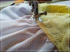 feitoepunto: Cómo coser una falda de tela a un cuerpo de punto Crochet Yoke, Crochet Fabric, Crochet Girls, Crochet Chart, Crochet Baby, Crochet Patterns, Knitting For Kids, Baby Knitting, Kids Dress Clothes