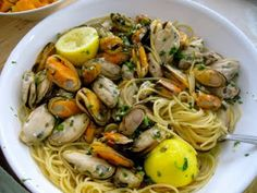Mussels with pasta cooked in Wine, Garlic and Lemon | SugarBaking Blog