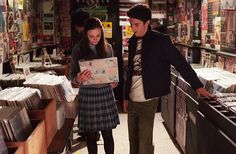 This is the scene where Slint is discussed on national television to a pixies soundtrack, no less! #gilmore girls #indie rock