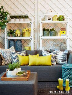 Reimagine the outdoors with indoor-inspired pieces like this patio set! #MyHomeSense // Reconfigurez votre extérieur pour lui donner des allures d'intérieur, comme nous l'avons fait sur cette photo! #MonHomeSense