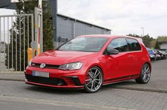 Volkswagen Golf GTI Clubsport S spotted testing at Nürburgring