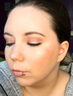 Nude Look, Urban Decay Naked 3, Anastasia Beverly Hills Dipbrow Pomade, Benefit They're Real