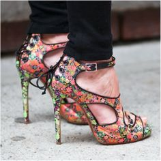 These Tabitha Simmons floral shoes are perfect for spring! www.bibleforfashion.com/blog #bibleforfashion