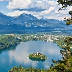 Le portail touristique slovène officiel Top Hotels, Best Hotels, Tourist Board, Lake Bled, Small World, Luxury Travel, Travel Inspiration, Scenery, Around The Worlds