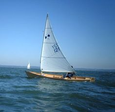 Chiemsee Plätte: A traditional craft which would offer a perfect basis for a modern lightbuilt sail and oar boat...
