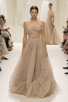 Vogue Online, Joyful, Ball Gowns, One Shoulder, Weddings, Guys, Formal Dresses, Fashion, Ballroom Gowns
