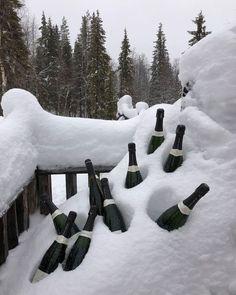 "dm for promos 💌 on Instagram: ""🤍"" Chalet Girl, Ski Season, Paris, Winter Travel, Places Around The World, Winter Christmas, Winter Snow, Outdoor Activities, Winter Wonderland"