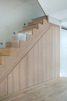 Staircase Storage, Stair Storage, Home Stairs Design, Home Interior Design, Under Stairs Cupboard, Tree House Designs, Modern Staircase, Staircase Ideas, House Stairs