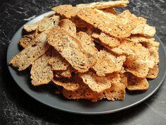Cukroví: Zůstaly vám vaječné bílky? Upečte si ořechové chipsy! - Žena.cz - magazín pro ženy Hummus, Cereal, Sweets, Breakfast, Ethnic Recipes, Food, Party, Crafts, Diy