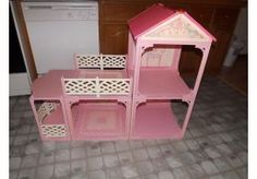 Vintage 1995 Barbie Mattel pretty in pink doll house...finding my barbie house on eBay makes me wanna buy it