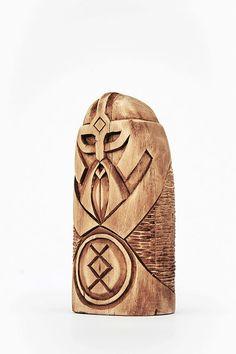 Holz Figur ein Gott Freyr Frey. Nordischen Gott Holzstatue
