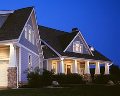 I love Craftsman style homes...... Especially the older ones with all the built-ins....