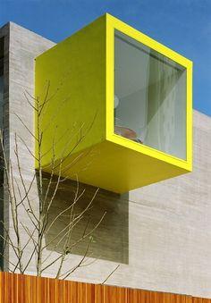 architectural detail: window >> Bercario Primetime (Primetime child learning center) by Marcio Kogan Arquiteto (mk27)