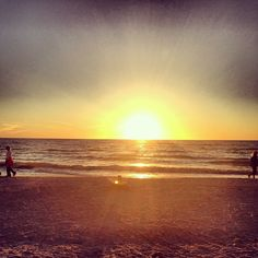 Second to last sunset! #love #instagood #me #tbt #cute #photooftheday #instamood #tweegram #iphonesia #summer #thanksgiving #fall #florida #gulfofmexico #vacation #beach Siesta key, Florida Crystal Sands http://instagram.com/p/SYZnwmoEOx/