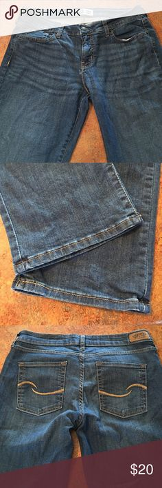 levis modern straight - Levi Strauss & Co. - signature jeans - excellent condition - roughly 32 inch inseam Levi's Jeans