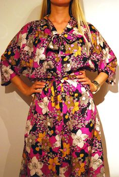 Kimono Style Belted Floral Vintage Dress In Purple White by aveing
