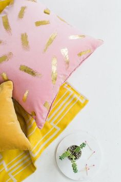 DIY :: Gold Foil Pillow