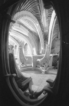 Cheers to the aliens: Sci-Fi Hotel, Giger Bar coming to US? Sci-Fi Hotel founder Andy Davies teams up with 'Alien' artist H. Giger to bring bar concept stateside, yet its exact location is still unknown. Read this article by Bonnie Burton on CNET. Famous Artists, Great Artists, Hr Giger Bar, Hr Giger Alien, Dark Fantasy, Fantasy Art, Alien Artist, Zurich, Giger Art