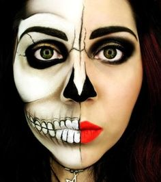 Halloween make-up - half skeleton Visage Halloween, Fröhliches Halloween, Amazing Halloween Makeup, Maquillage Halloween, Halloween Face Makeup, Halloween Costumes, Scary Makeup, Halloween Vintage, Halloween Clothes