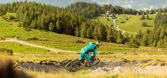 Downhill bringázás hazai és külföldi sípályákon Innsbruck, Golf Courses, Country Roads