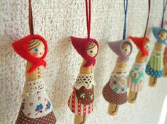 Clothespin Cuties from Monkton Chiccoro | Japanistic/Blog....would look cute on the Xmas tree