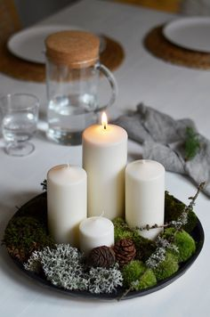 Jane at home: Nejen Christmas Advent Wreath, Scandi Christmas, Christmas Interiors, Christmas Mood, Christmas Candles, Christmas Balls, Christmas Crafts, Advent Candles, Deco Table