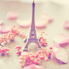 Cute Paris  Wallpaper #wallpaper #marieghansen