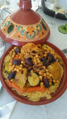: Cous Cous - New Ideas Chicken Salad Recipes, Crockpot Recipes, Tagine Cooking, My Favorite Food, Favorite Recipes, Morrocan Food, Good Food, Yummy Food, Middle Eastern Recipes