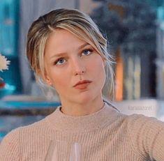 Jessica Whitaker, Melisa Benoist, Melissa Supergirl, Kara Danvers Supergirl, Girl Poses, Kristen Stewart, Woman Crush, Me As A Girlfriend, Role Models