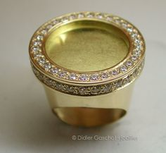 Bijoux Lapis Lazuli, Gold Sovereign, Copper Crafts, Gold Models, Jewelry Making Tutorials, Signet Ring, Ring Designs, Jewelry Rings, Jewellery